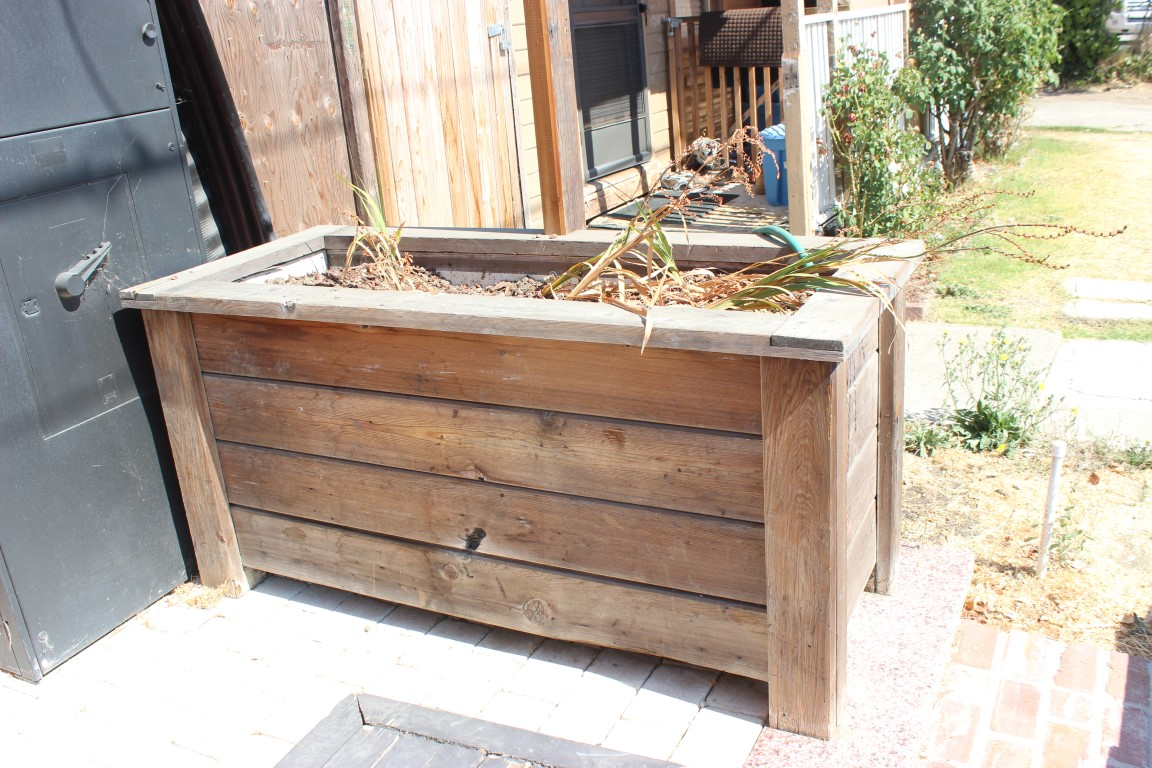 Lovely Reclaimed Large Wooden Planter Box [06 44 33.11-0001] : Placmakers  FE01